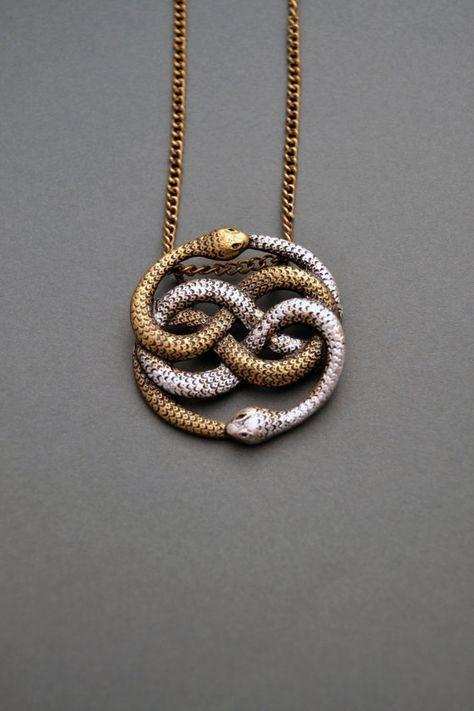 Collar de Auryn Collar de serpiente infinita Joyería de serpiente Collar de nudo de serpiente Collar de Ouroboros Colgante de Auryn Regalo de historia interminable