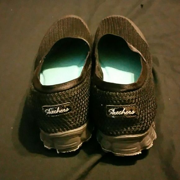 Skeckers Walking Shoes Black Skeckers  needs new home Skechers Shoes Flats & Loafers