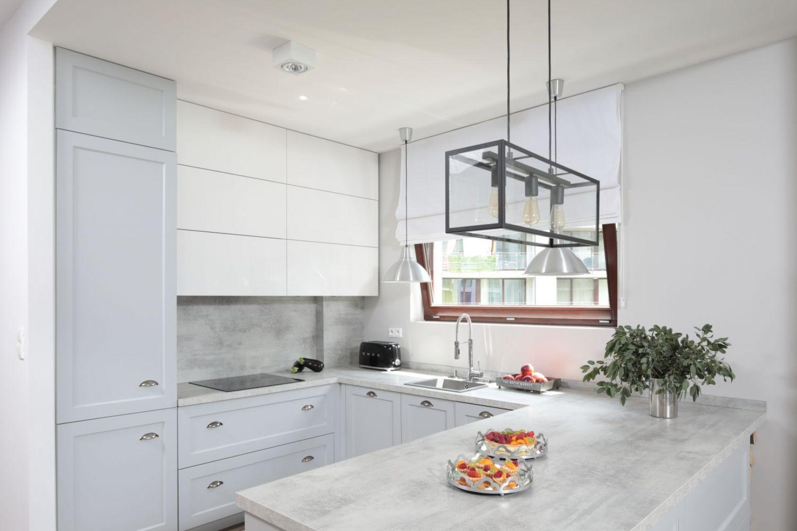 Klasyczna Kuchnia W Amerykanskim Stylu Projekt Wioleta Wojcik Maciuszek Konrad Maciuszek Fot Bartosz Jarosz Kitchen Styling Kitchen Design Kitchen