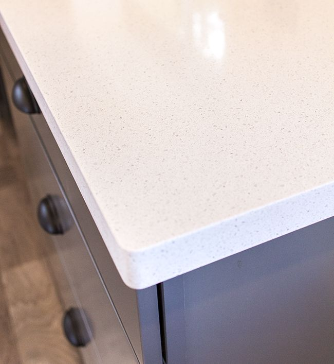 Maple Kitchen Worktops: Blanco Maple Silestone Quartz