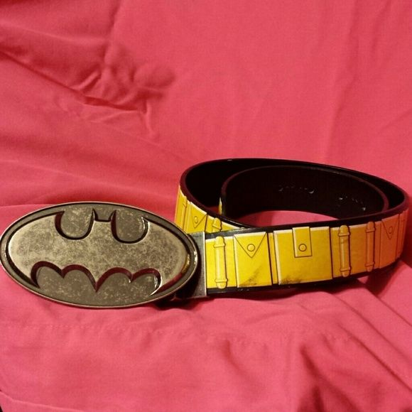 Reversable batman belt It's a great belt but it just is not my style anymore. I really only wore it two or three times Accessories Belts