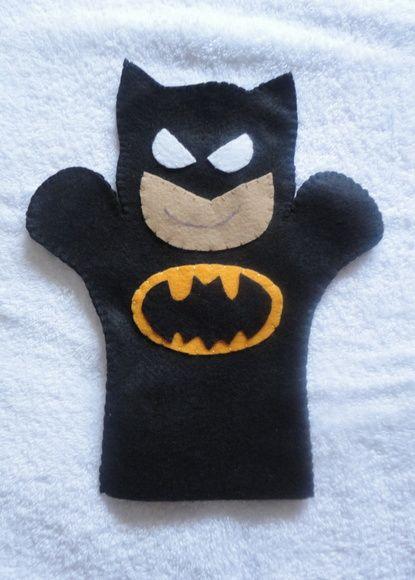 Lindo fantoche confeccionado em feltro.    Batman.    Produto educativo e de recreação.    Tamanho  Comprimento 25 cm.  Largura 21 cm. #handpuppets