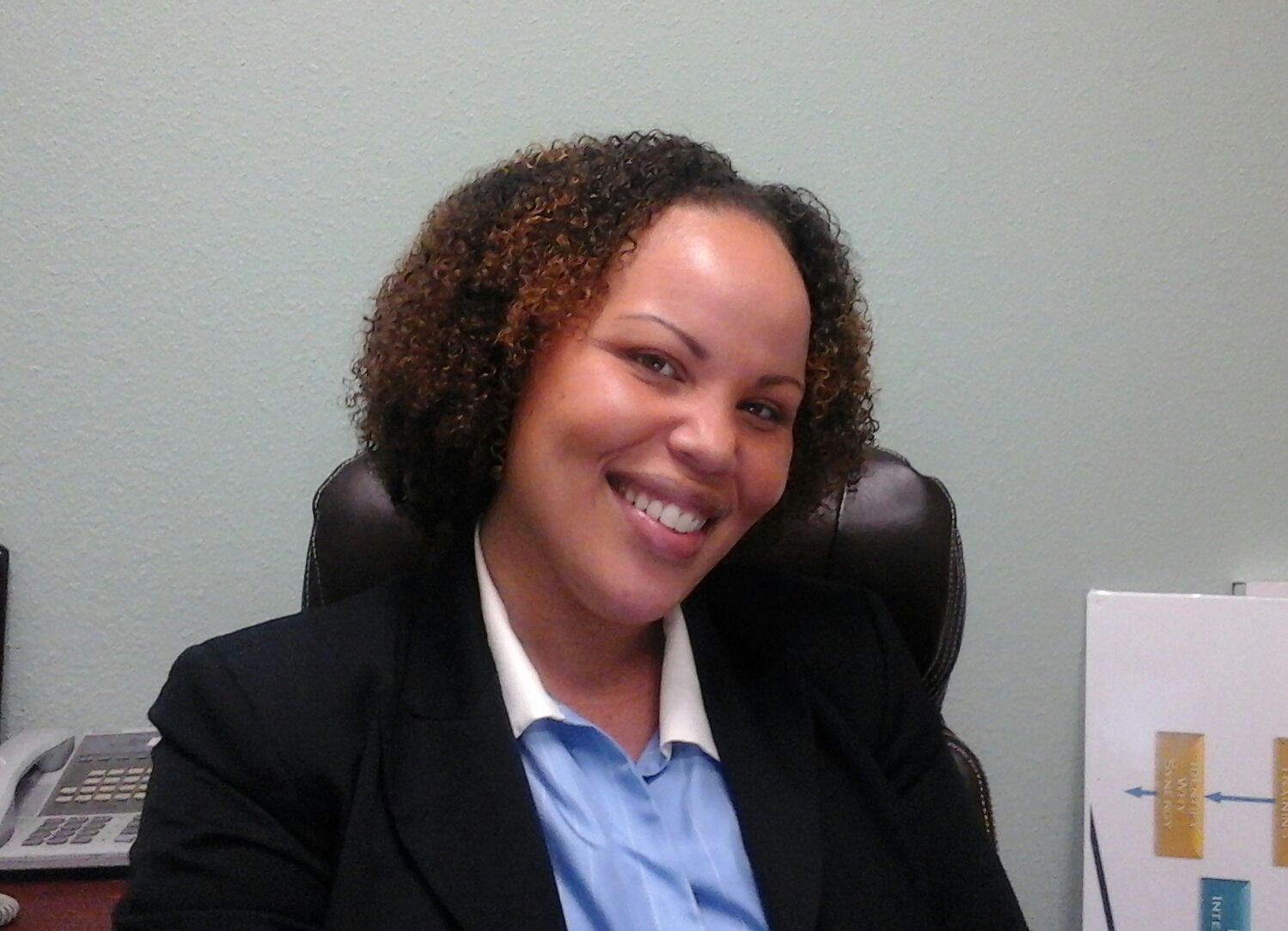 Pictured Is Qiana Hawkins My Tax Accountant In Her Office At The Normandie Business Center She Rocks Her Tight Curl Natural Hair Styles Tight Curls Her Hair