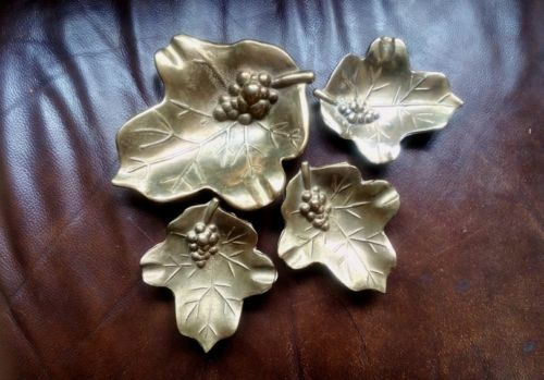 SALE-Lot-Of-4-Vintage-Antique-Brass-French-Decorative-Ashtrays-Grapes-Leaves