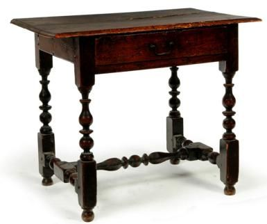 Queen Anne Desks 27 For Sale At 1stdibs >> Learning About The William And Mary Style Of Furniture