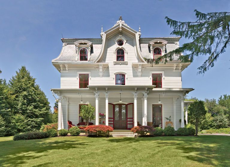 Best 7 Charming Homes With Mansard Roofs For Sale Victorian 400 x 300