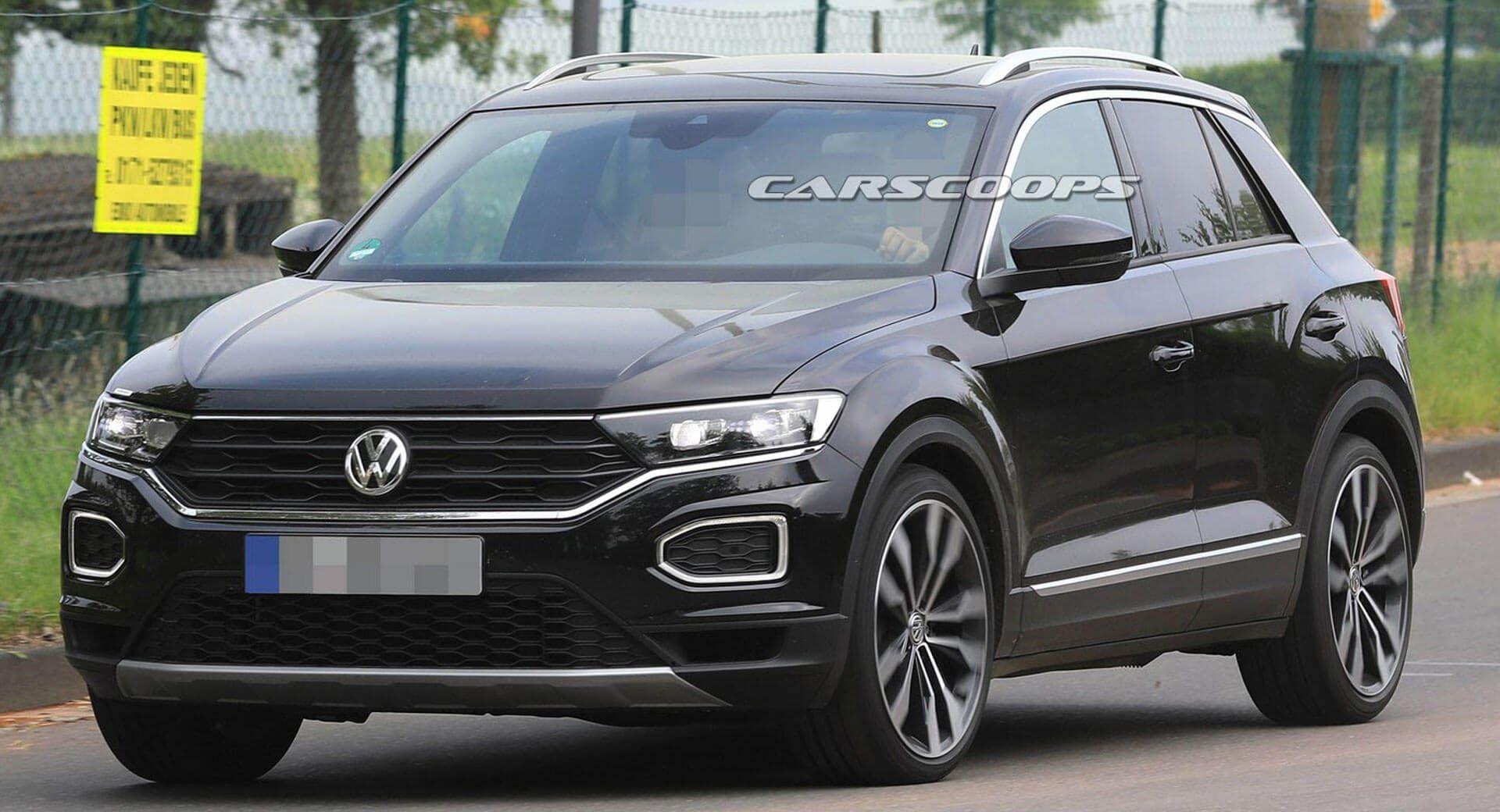 Vw T Roc R Looks Like A 305 Hp Sleeper In Latest Spy Photos Carscoops Roc Vw Volkswagen Volkswagen