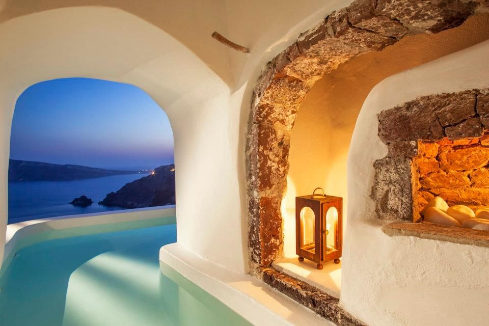 The Honeymoon suite Oia Hotel Greece