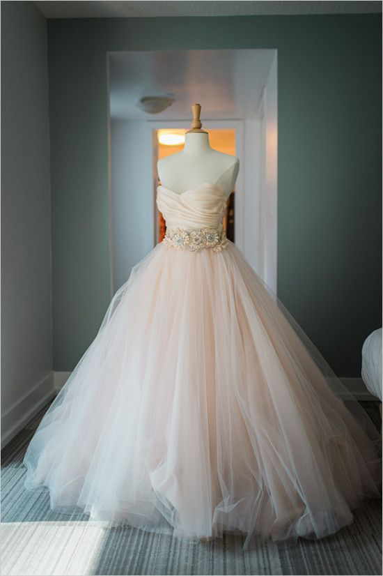 Lazaro peach wedding dress @weddingchicks