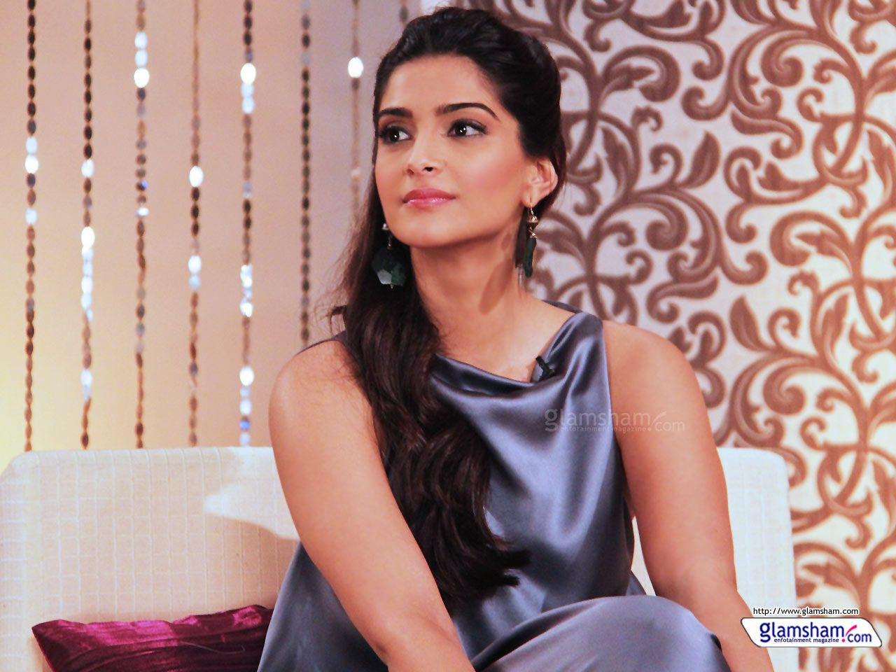 bollywood actress sonam kapoor hd wallpapers ibutters | wallpapers