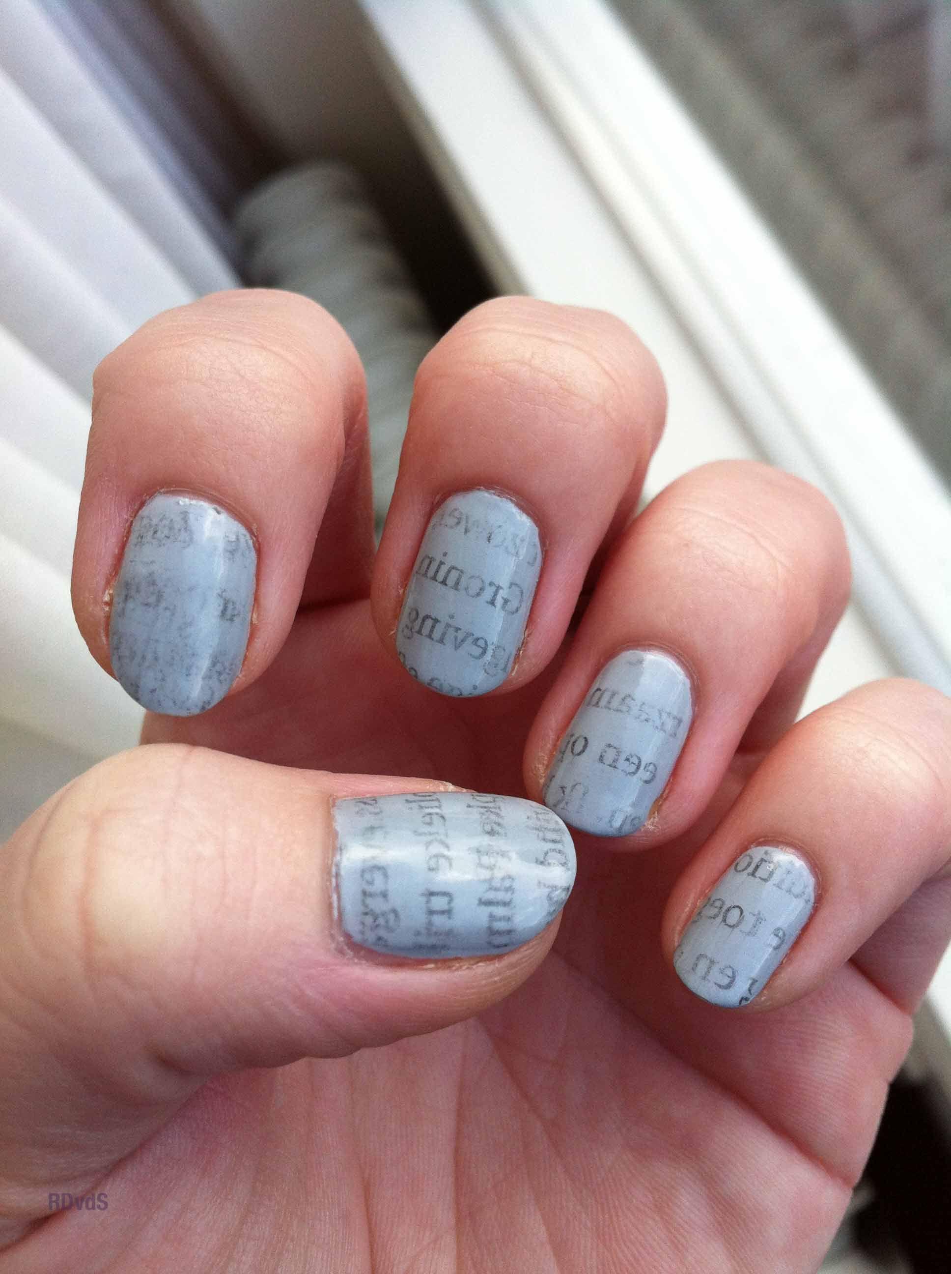 newspaper nail-art | RDvdS-nails | Pinterest | Newspaper nail art ...