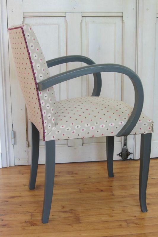 Changer Le Tissu D Une Chaise Tapissier Decorateur A Brest Meuble Deco Relooking Meuble Mobilier De Salon