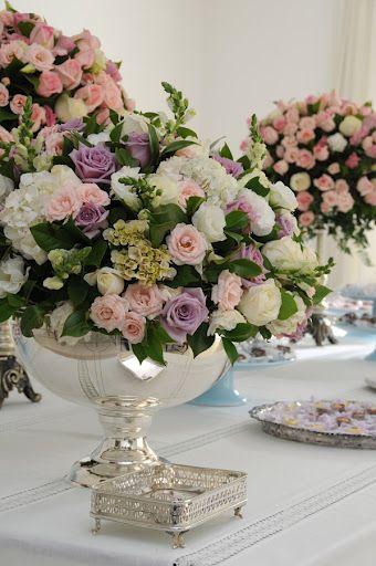 Mesa De Batizado Decoracao Com Flores Flores Para Casamentos