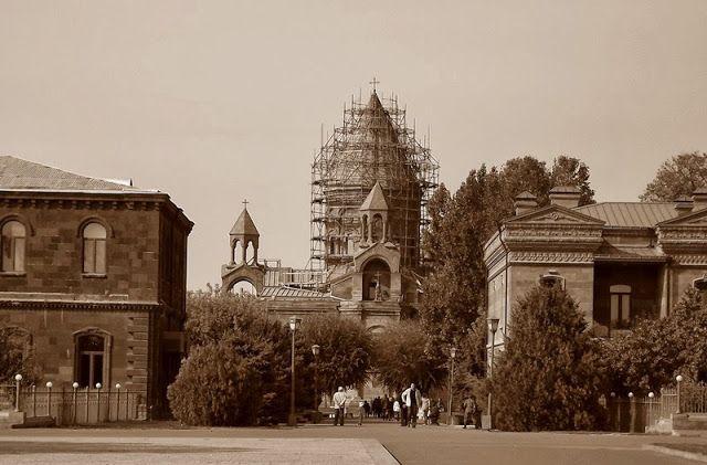 Rediscovering Armenia with Hyur Service: Echmiadzin and Zvartnots