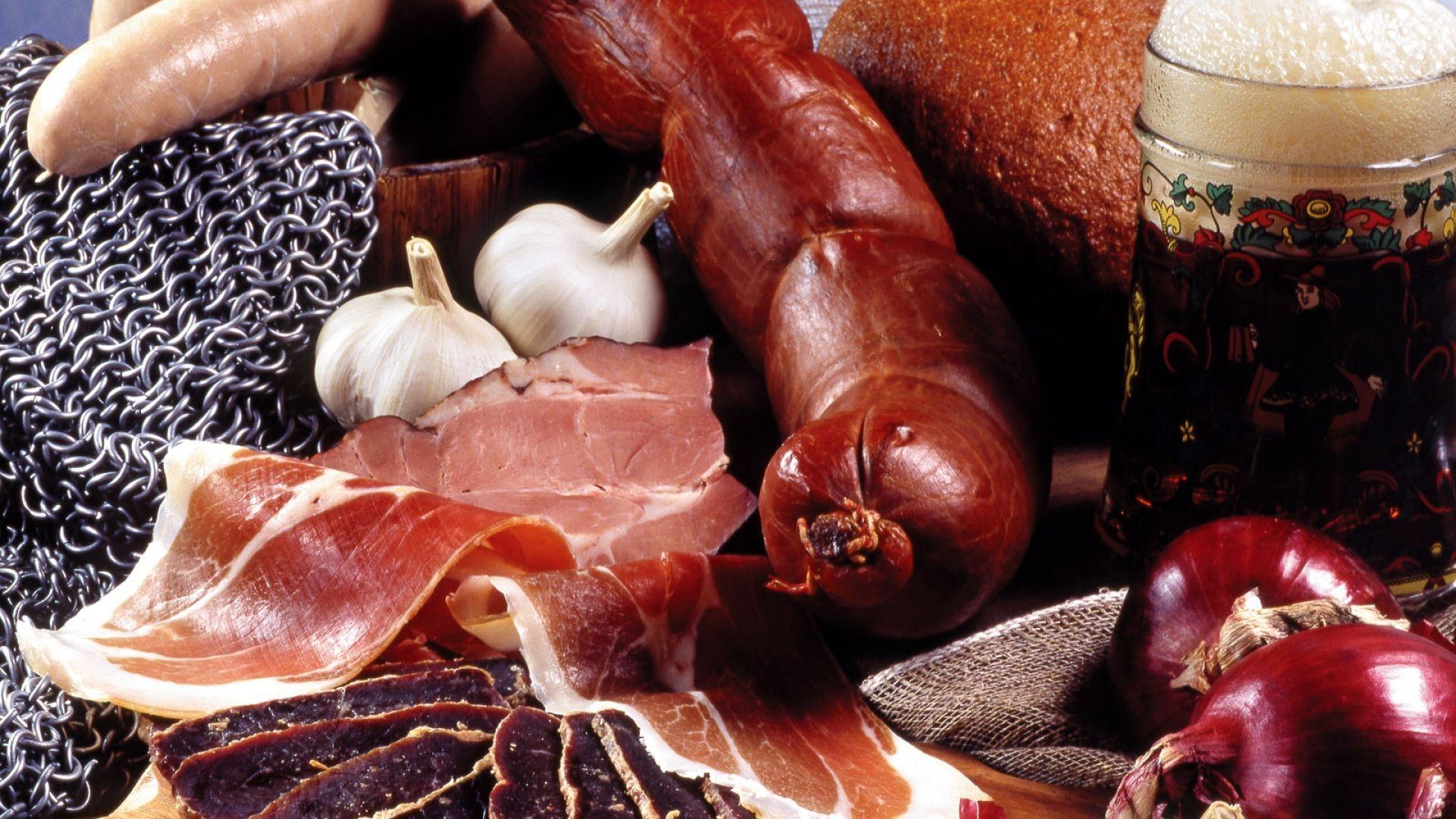 sausage, allsorts, onions - http://www.wallpapers4u.org/sausage-allsorts-onions/