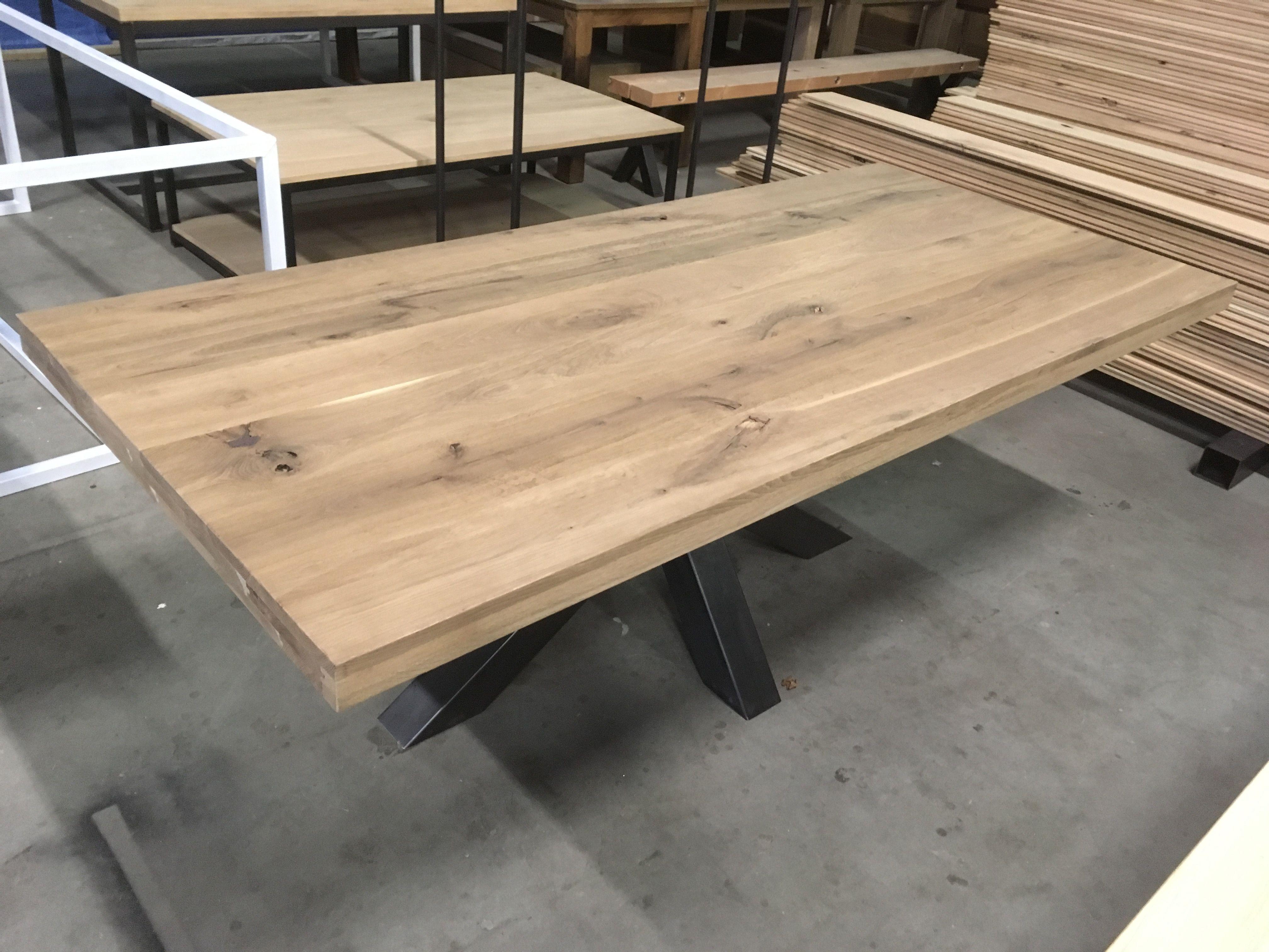 Gerookt Eiken Tafel : Tafelblad gerookt eiken skylt kaldenbach meubels table