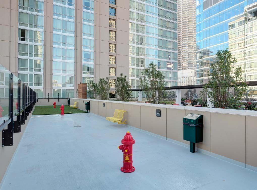AMLILoftspetpark | Apartments exterior, Chicago apartment
