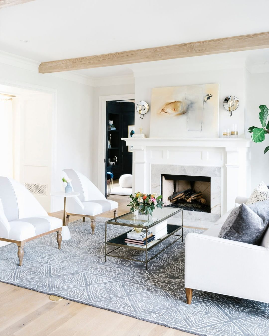 "Havenly on Instagram: ""Is your living room guest-ready? More important than seasonal styling is a seating arrangement that's conducive to conversation amongst…"" #havenlylivingroom"