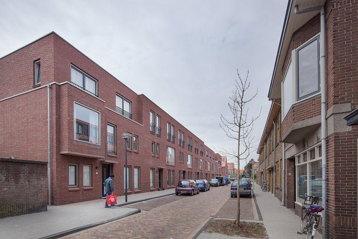 In de Tuinstadwijk in Leiden zijn 84 woningen naar ontwerp van hp Architecten gerealiseerd: