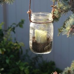 How to make fabulous hanging lanterns out of Mason Jars. We used these as a wedding decoration and they turned out really neat.