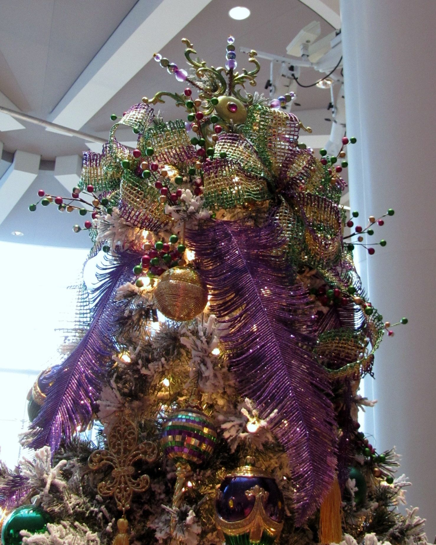 Tree Toppers – Christmas Tree Topper Inspiration from the Akron ...