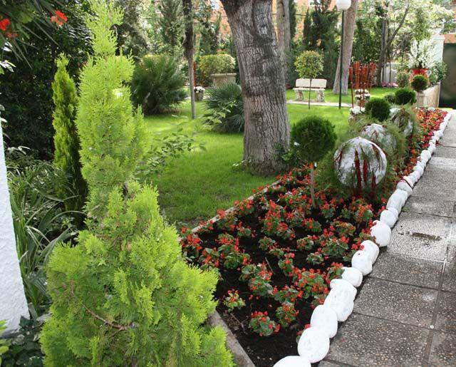 Pin de eva garcia en jardines pinterest jardines for Jardines con piedra volcanica
