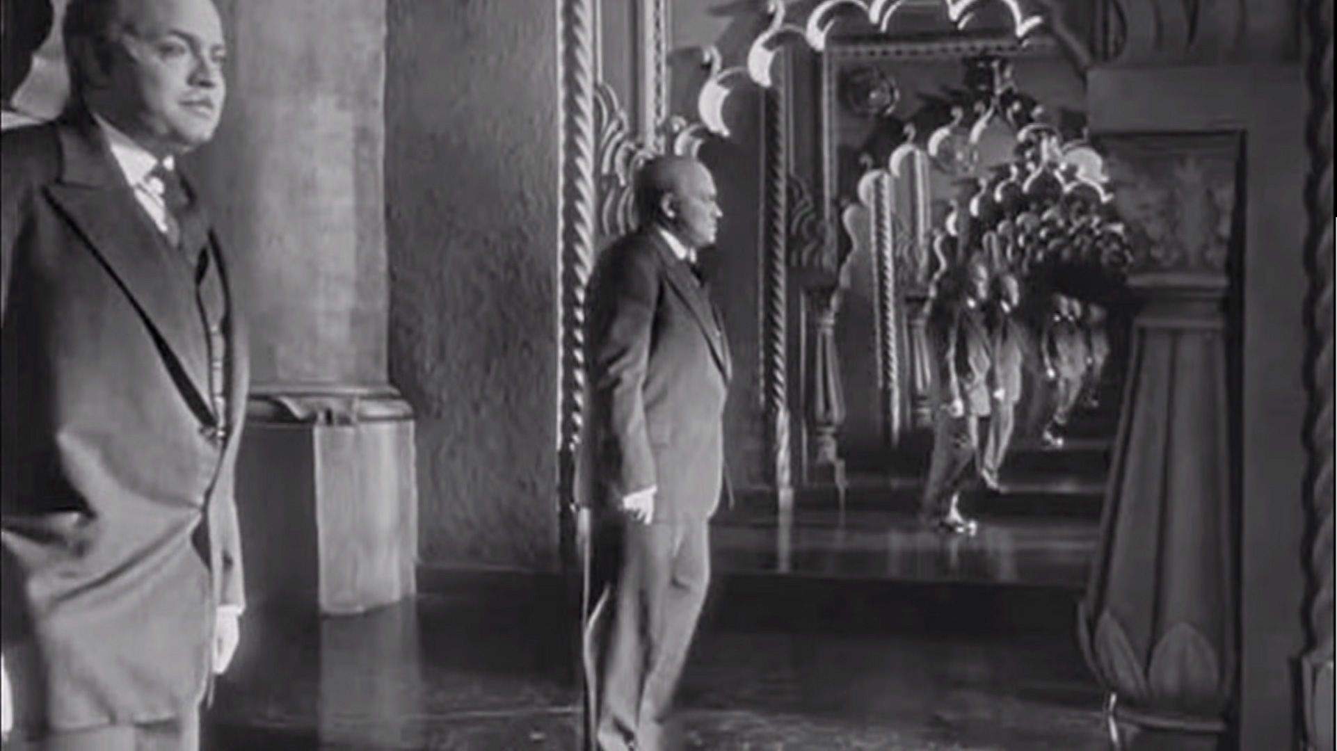 Citizen Kane Cidadao Kane 1941 Film Noir A Cascading Reflection In The Mirror Uma Reflexao Em Casca Citizen Kane Black And White Movie Orson Welles