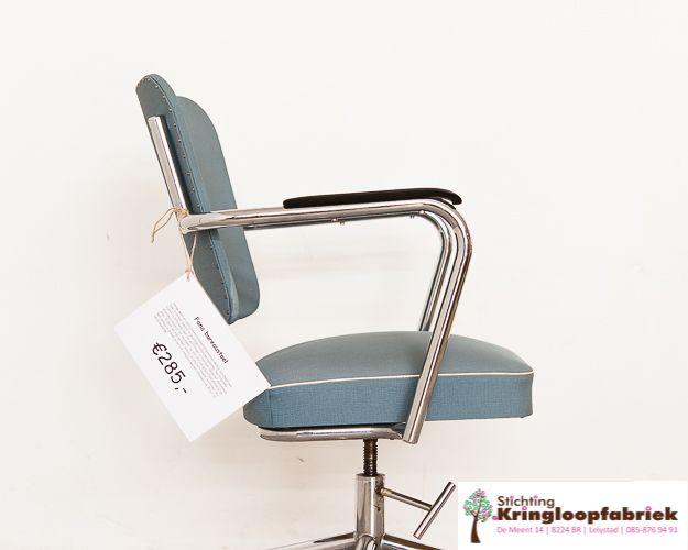 Vintage Design Bureaustoel.Je Kan Niet Anders Dan Verliefd Worden Op Deze Vintage Design