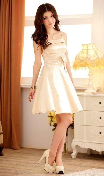 Robe ceremonie blanche 16 ans. Petite robe de soirée !! \u003c3