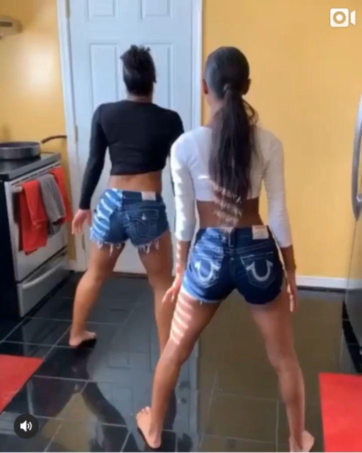 Mädchen Twerking Jean Shorts