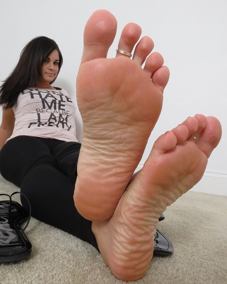 Toes soles beautiful and