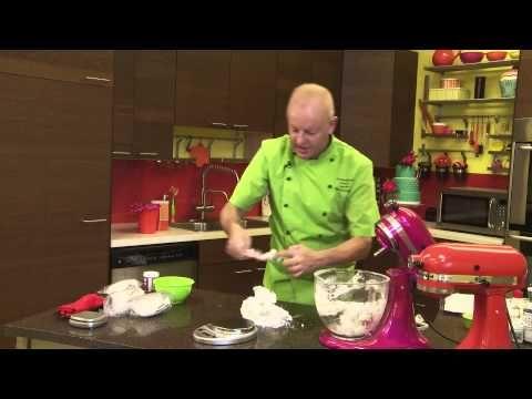 Tutorial Pin Up 3D and Cake in Sugar Paste - Tutorial Pin Up 3D e Torta in Pasta di Zucchero - YouTube