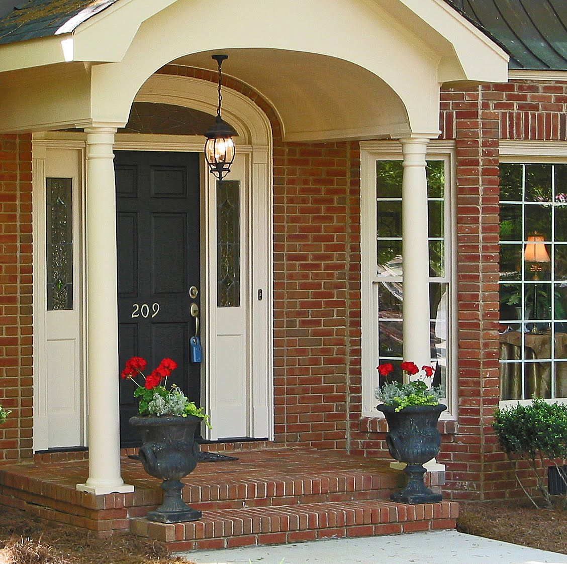 Nice entrance home decor pinterest front porches for Classic house fronts