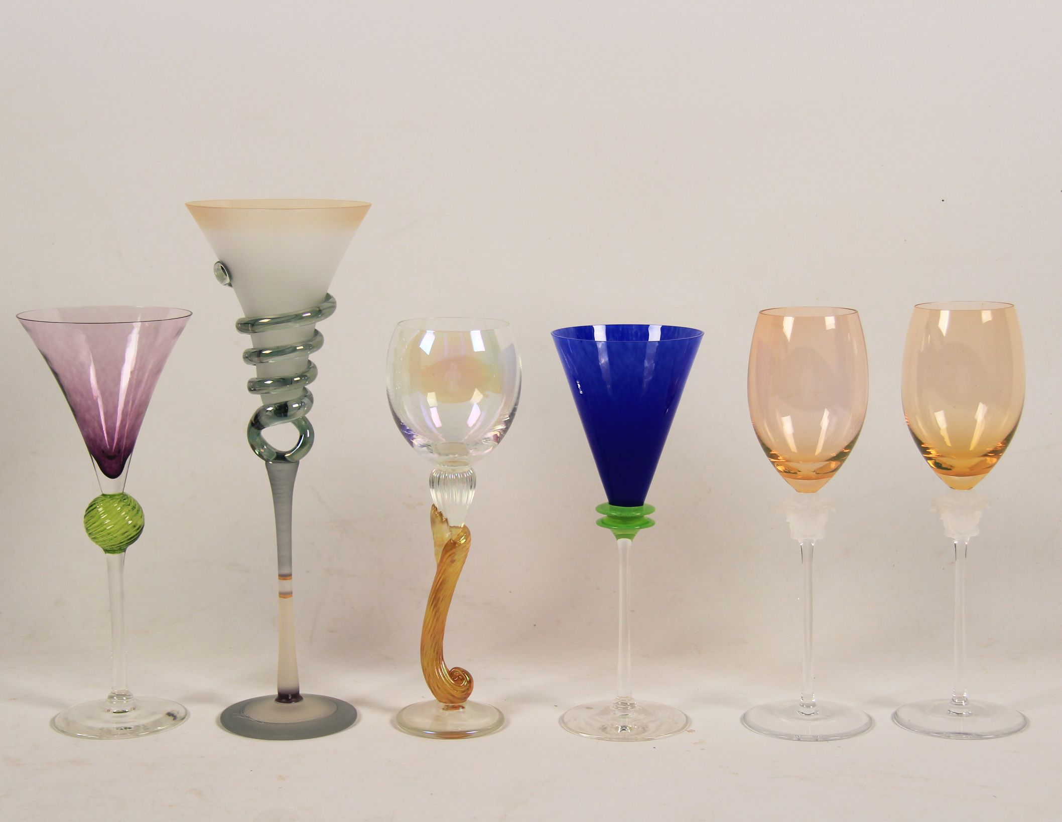 2148504b1270 MISCELLANEOUS LOT OF 6 LARGE GLASS GOBLETS INCLUDING A PAIR BY ROSENTHAL  COMMISSIONED FOR VERSACE