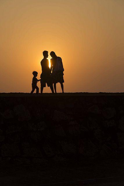 eje 4 - 10: ¿Por qué la casa 4, acuática, lunar, con los atributos de la madres como la protección y la nutrición, no corresponde a la madre? <3 #astrología #astro #consultorio #family #familia #atardecer #sun