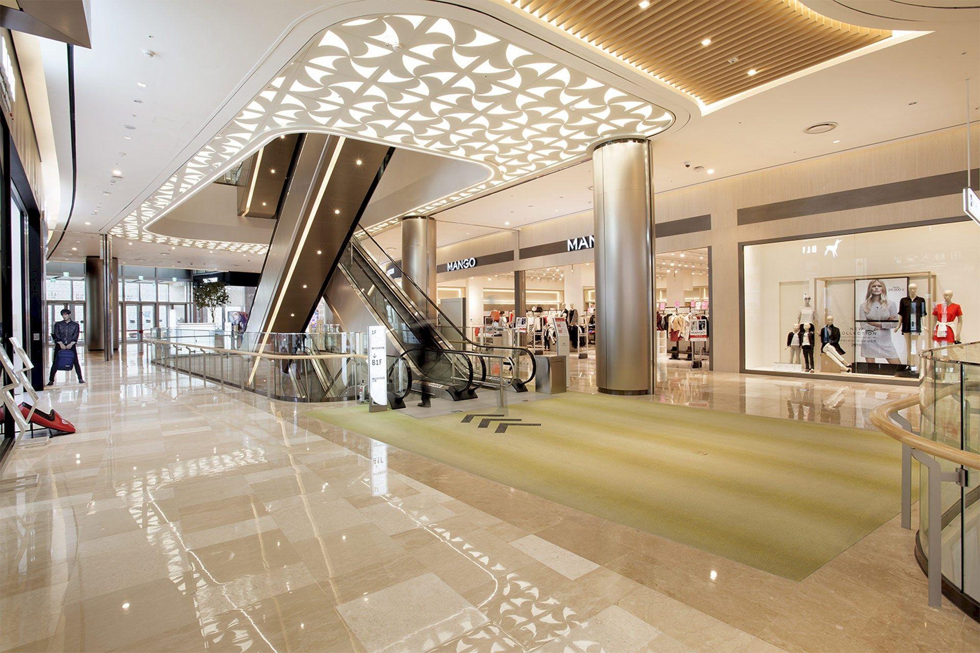 Lotte world mall seoul denice hough transarea for Retail interior design