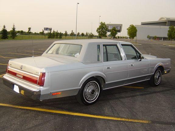 File 1986towncar Jpg Lincoln Town Car Lincoln Cars Car