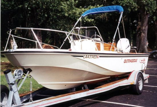 Photo: Whaler Outrage 18 1986 on trailer | boats | Boston