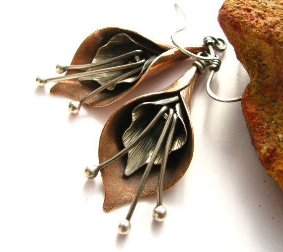 Calla Lily Earrings Mixed Metal Earrings Flower Jewelry Sterling Silver And Copper Earrings Artisan Metalsmith Jewelry Copper Jewelry Metal Takilar Tasarim Takilar Ve El Yapimi Taki