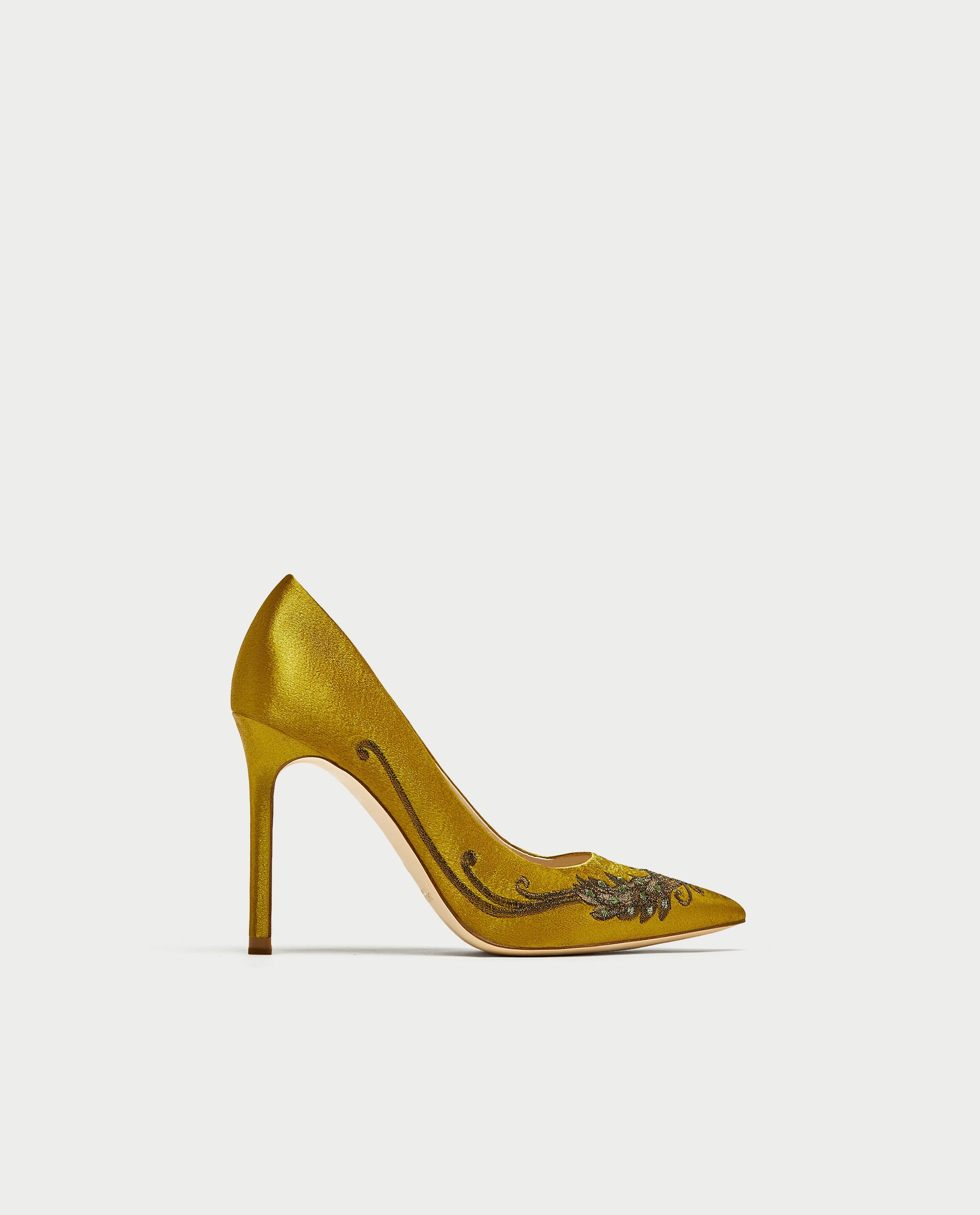 SATIN Schuhe COURT Schuhe SATIN WITH EMBROIDEROT BEADING   Footsi   Pinterest   Satin c2a182