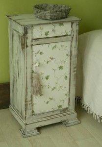 comment patiner une vieille table de nuit m beles. Black Bedroom Furniture Sets. Home Design Ideas