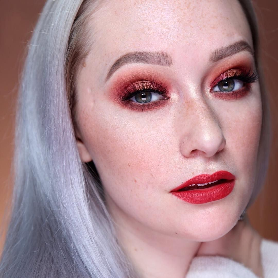 Jkissamakeup looking extra bomb with this dramatic look using
