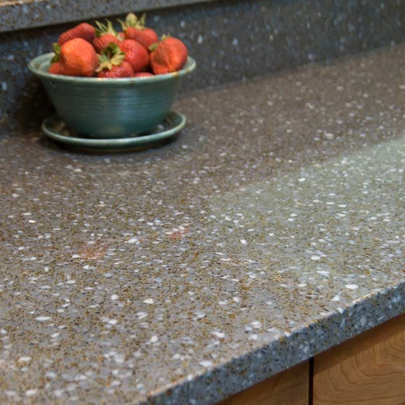 Kitchen Counters Montreal: Recycled Glass Counter Tops