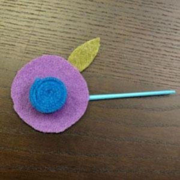 Felt flower crafts to make at home