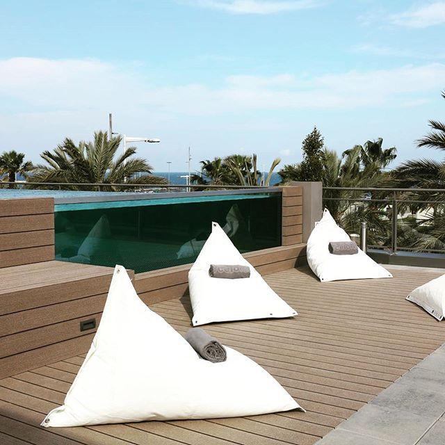 Terraza Decorada Con Puff Vela Disponible En Nuestra Web Www