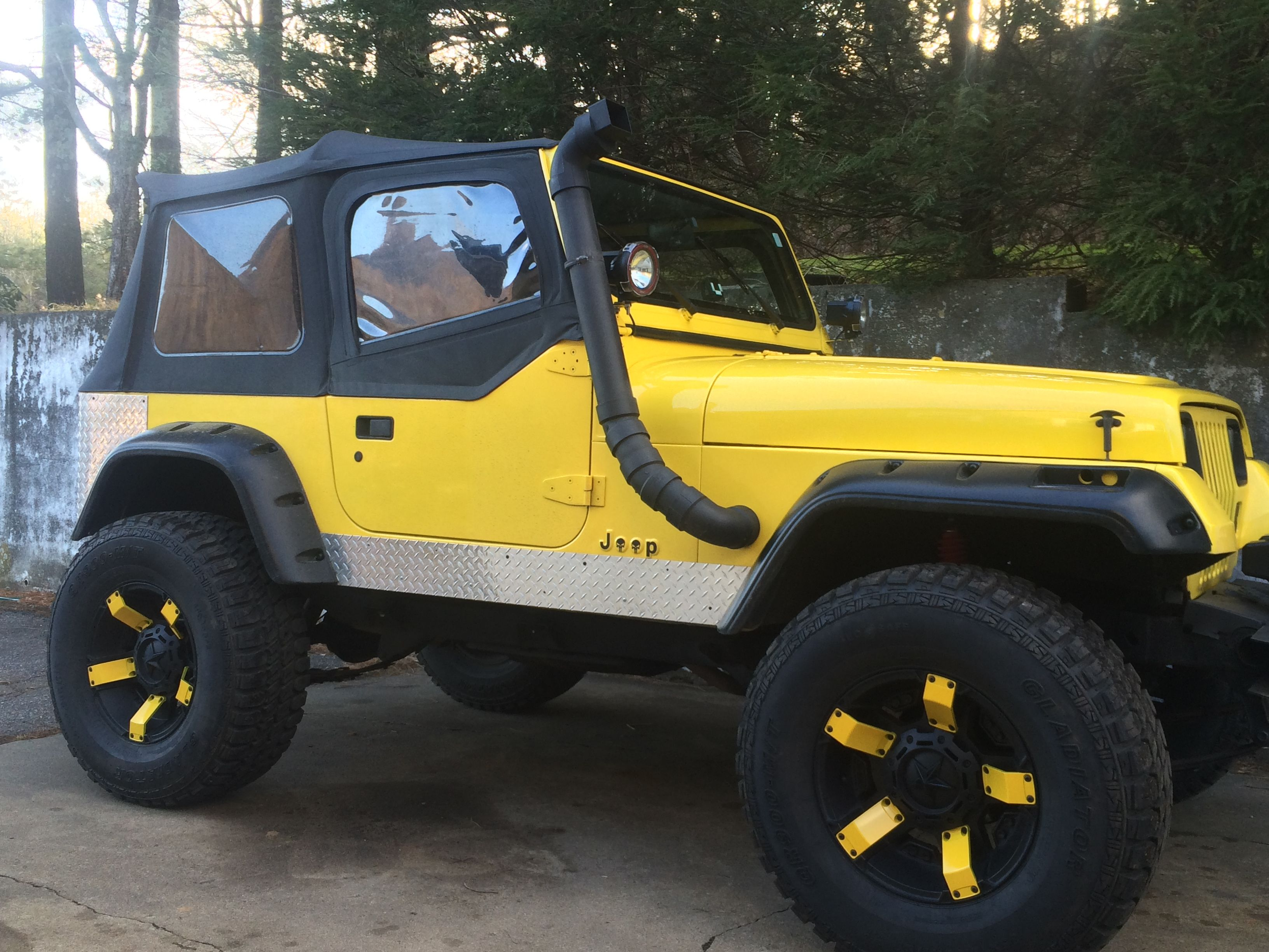 My 1990 Yj Jeep Wrangler Still Own This On 17 Inch Rockstar2 Wheels On 35s Jeep Yj Yellow Jeep Jeep Wrangler