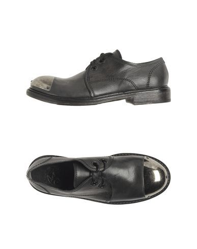 O.X.S.  Metal Cap Toe Laced shoes