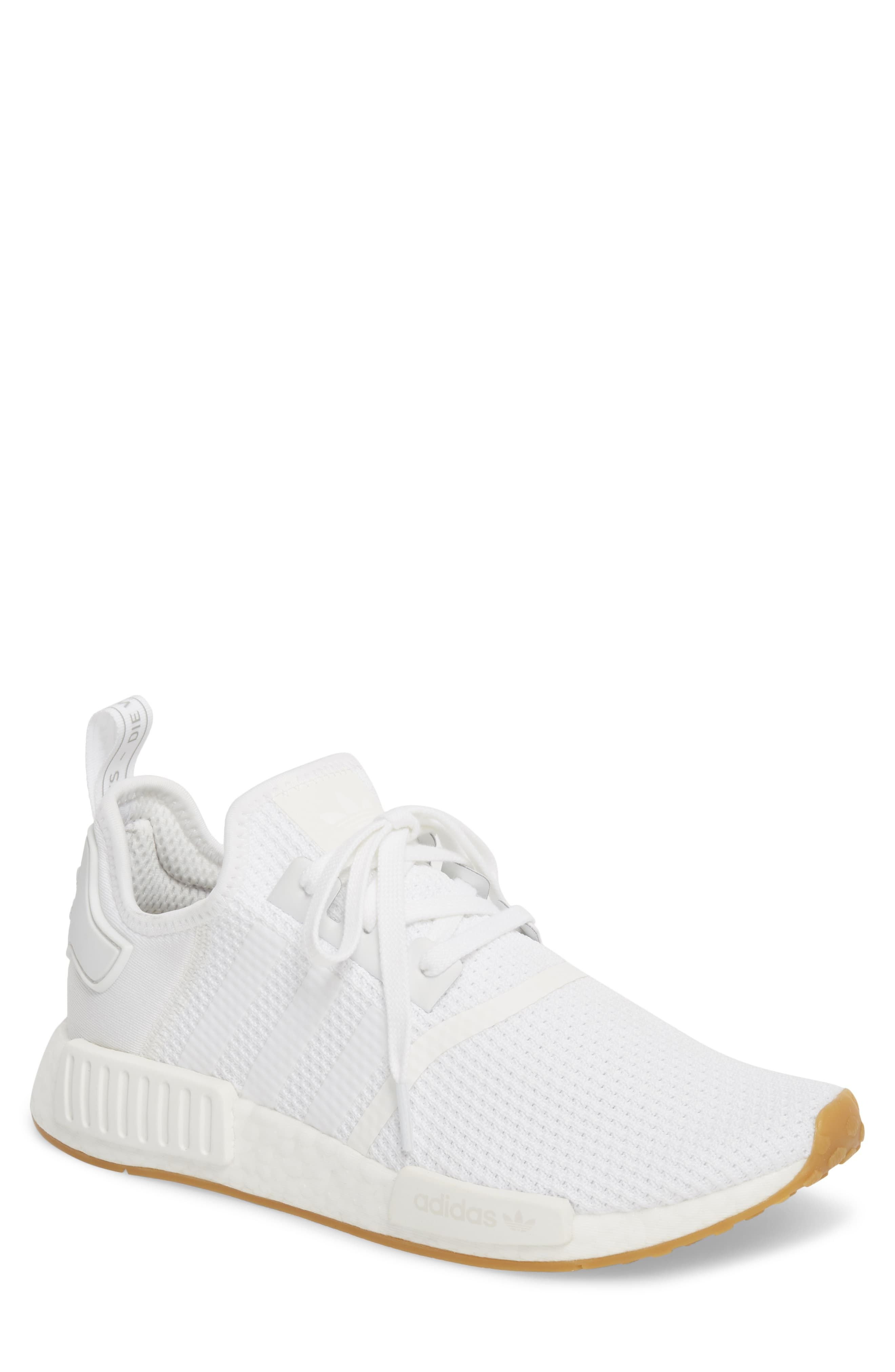 Pin by Elene Galiana on 鞋履 in 2021 | Adidas white shoes, Adidas ...