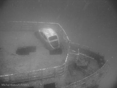 auto le cars beetle sunk at the bottom of the ocean new cars reviews shows photos the car. Black Bedroom Furniture Sets. Home Design Ideas