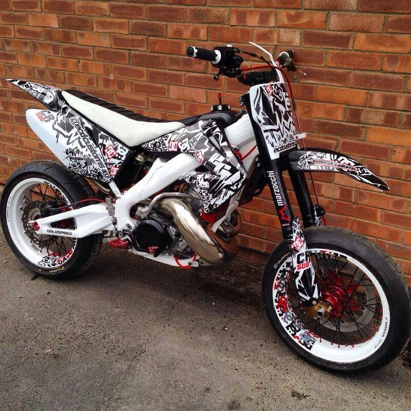 honda crm 250 supermoto white frame and custom swingarm. Black Bedroom Furniture Sets. Home Design Ideas